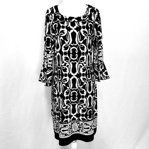 En Focus Flared Sleeve Black/White Patterned Dress